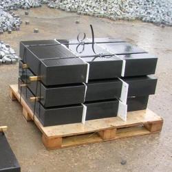 Granit Mauersteine grau 40 cm hoch x 60 - 80 cm lang