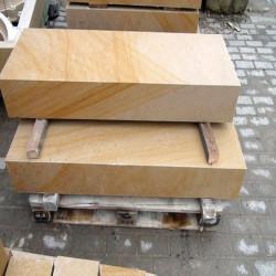 Granit-Blockstufen Griys Hellgrau 15 x 35 cm 100 cm lang