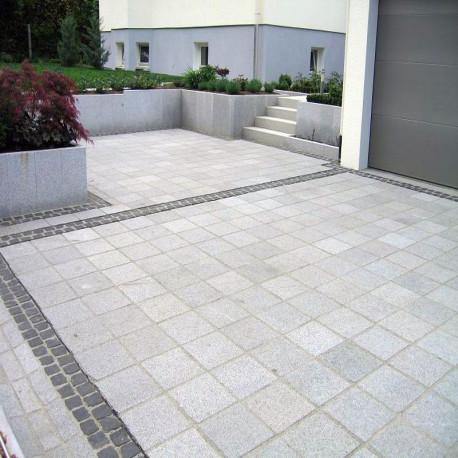 Granit Pflaster Kyrill grau Feinkorn gespalten