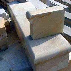 20 cm hohe Granit Blockstufen Sondergrößen gesägt und geflammt