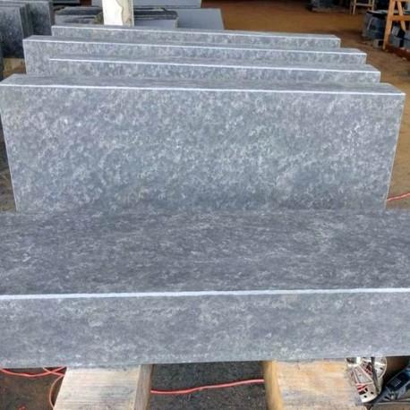 Granit Blockstufen Griys 18 x 45 cm geflammt