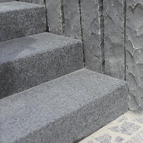 Sandstein Blockstufen Mapula Rot geschliffen Format 18 x 35 cm  Detail