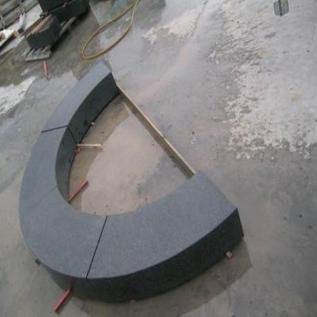 Granit Blockstufen Griys  hellgrau 20 x 35 cm geflammt