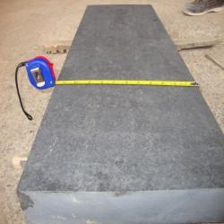Granit Podestplatte Griys hellgrau geflammt 20 cm hoch 100 x 150 cm