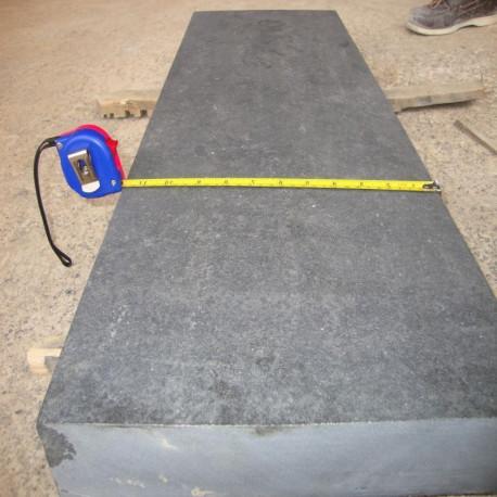 Granit-Blockstufen Griys Hellgrau 20 x 40 cm geflammt