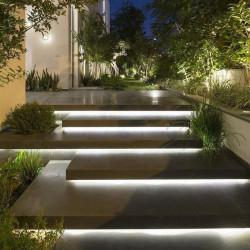 Basalt Legstufen schwarz geflammt 8 cm stark und 30 cm breit 100 cm lang Detail