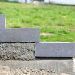 Sandstein Mauersteine Mapula rot 15 cm hoch 20 cm tiefe gespalten Länge 40 cm