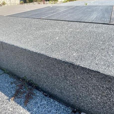 Granit Legstufen Griys Hellgrau 30 x 8 cm 200 cm lang