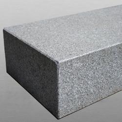 Granit Quadersteine Griys hellgrau 20 cm hoch gespalten  auf Paletten