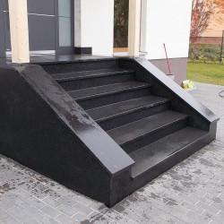 Granit Quadersteine Griys hellgrau 40 cm hoch gespalten auf Paletten