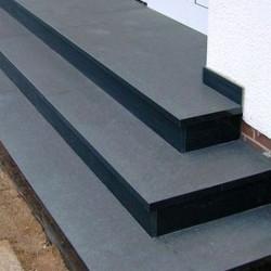 Granit Quadersteine Griys hellgrau 40 cm hoch gespalten für Trockenmauern bis 200 cm