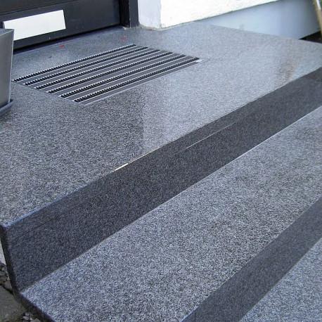 Granit Mauersteine Griys grau 40 cm hoch zweiseitig gesägt