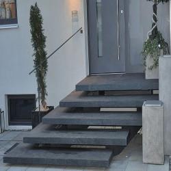 Gesägte Granit Mauersteine Griys grau 50 cm hoch
