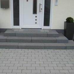 Gesägte Granit Mauersteine Griys grau 50 cm hoch mit 50 cm tiefe