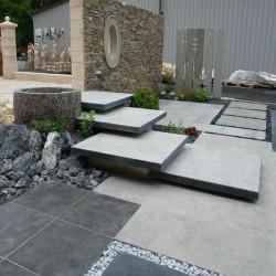 Gesägte Granit Mauersteine Griys grau 50 cm hoch  pallettiert in freien Längen