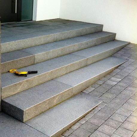 Granit Mauersteine Griys Hellgrau 40 cm hoch gesägt