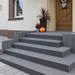 Granit Mauersteine Griys Hellgrau 50 cm hoch gesägt