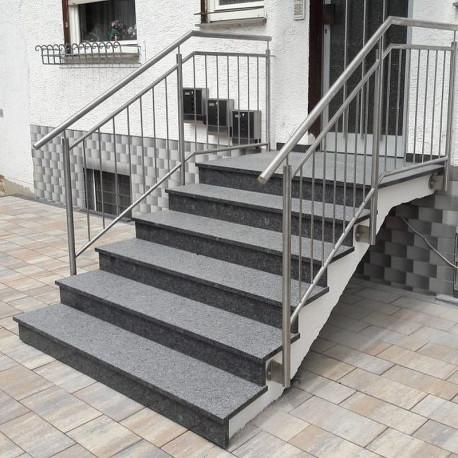 Granit Schlossmauersteine Griys grau 4 Seiten gesägt 15 cm Tief  Freie Länge