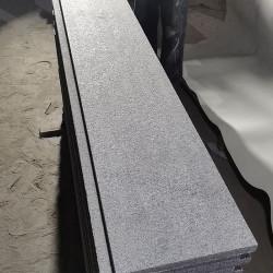 Granit Schlossmauersteine Griys grau 4 Seiten gesägt 15 cm Tief gemischte Höhen