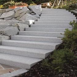Granit Pflaster Granit Fino Weißgrau Feinkorn gespalten
