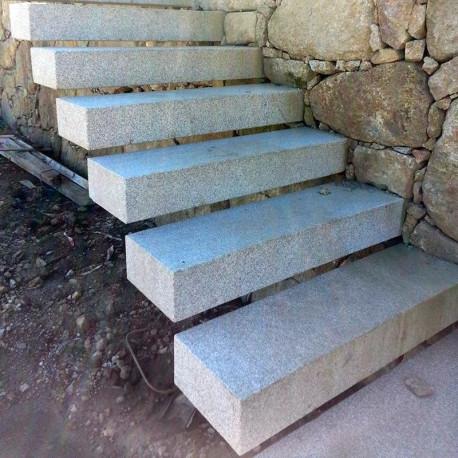50 cm lange Granit Palisaden Griys hellgrau 8 x 25 cm