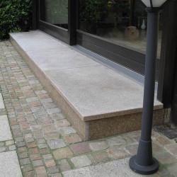 Basalt Palisaden Schwarz geflammt 8 x 25 cm  Detail
