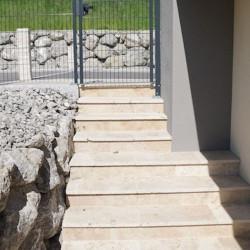 Granit Pfosten Griys hellgrau 15 x 15 cm gesägt und geflammt
