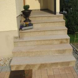 Granit Pfosten Griys hellgrau 15 x 15 cm gesägt und geflammt bis 300 cm Länge