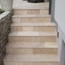 Limes Granit Pfosten Griys hellgrau mit Pyramidenspitze 15 x 15 cm gesägt und geflammt 150 cm lang