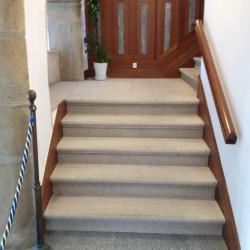 Granit Griys Limes Zaunpfosten 25 x 25 cm mit Pyramiden spitz gesägt und geflammt