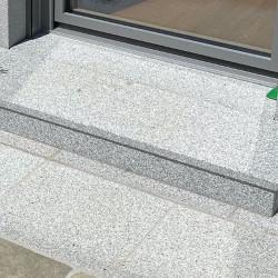 Granit Sitzblöcke Griys Hellgrau