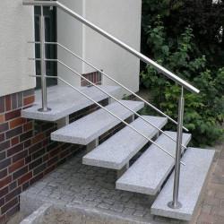 Granit Sitzblöcke Griys hellgrau gesägt und geflammt