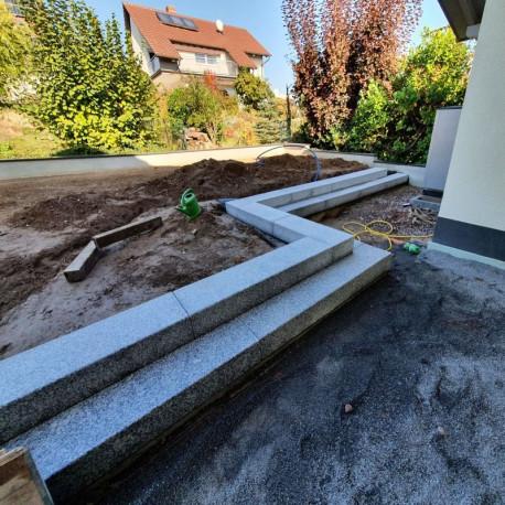 Basalt Sitzblöcke Schwarz geflammt