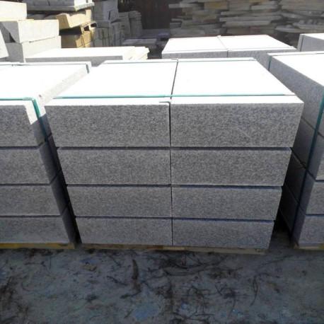 Granit Blockstufen Griys grau 15 x 40 cm