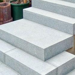 Granit Pflaster Griys hellgrau gespalten lose